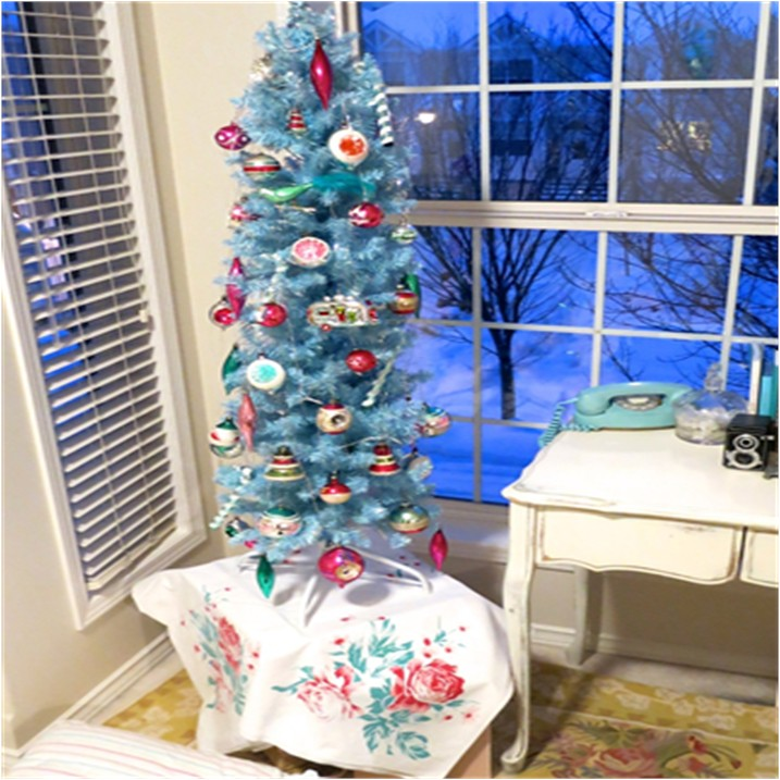 Just About Perfect, Aqua Christmas Tree