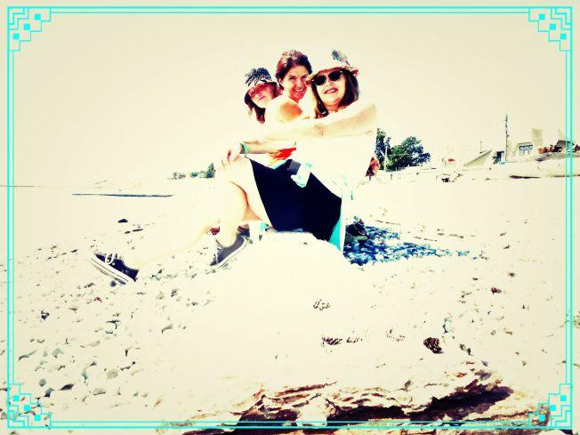 Boomdee & Buds on the Beach